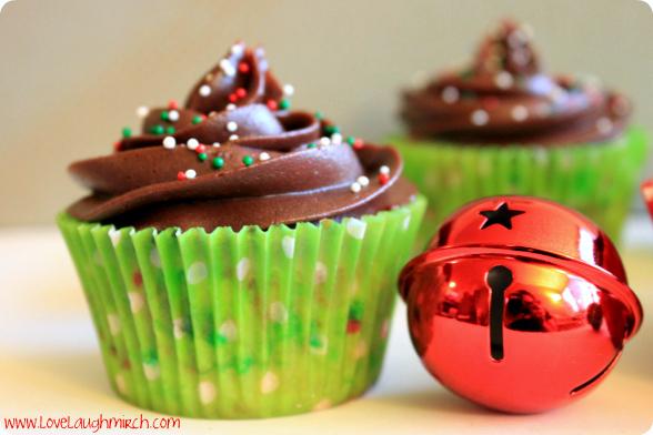 Holiday Funfetti Cupcakes